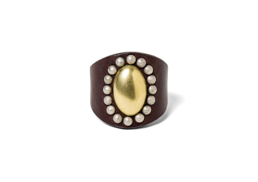 ALMOND HEAD STUDS RING